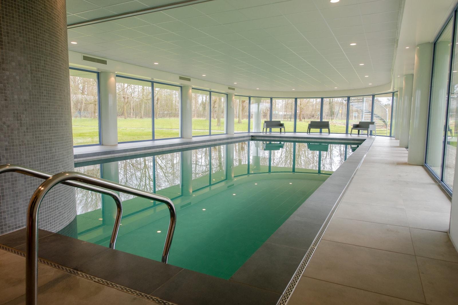 Neem een duik in het vernieuwde zwembad